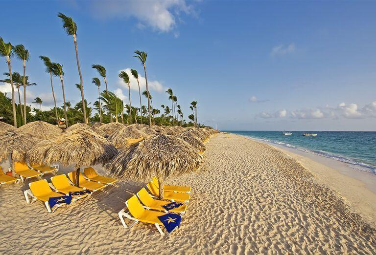 Hotel Iberostar Hacienda Dominicus -  pláž a lehátka