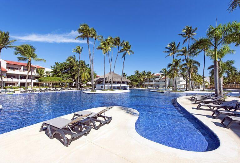 Hotel Occidental Punta Cana - lehátka pri bazéne