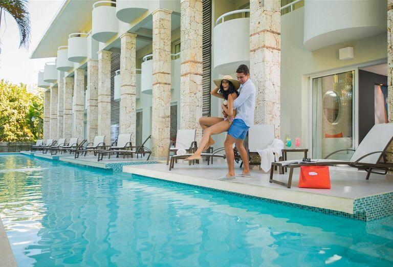 Hotel Emotions by Hodelpa - hotelový bazén
