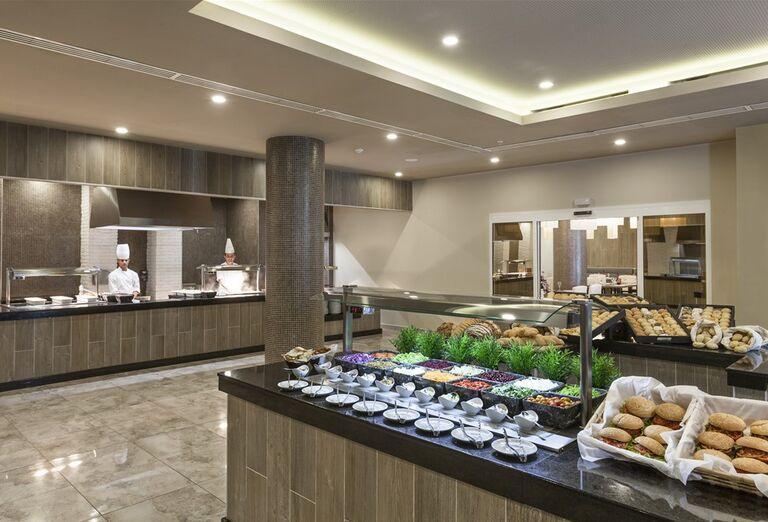 Hotel Melia Internacional- občerstvemie