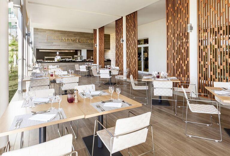 Hotel Melia Internacional- reštaurácia