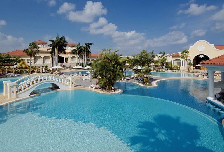 Vstup do hotela Iberostar Laguna Azul