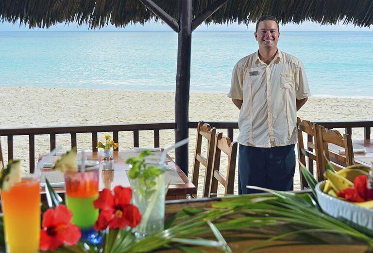 Hotel Sol Palmeras- čašník a drinky