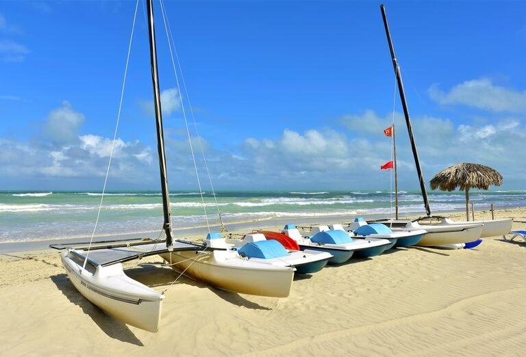 Hotel Iberostar Tainos - Lode na pláži