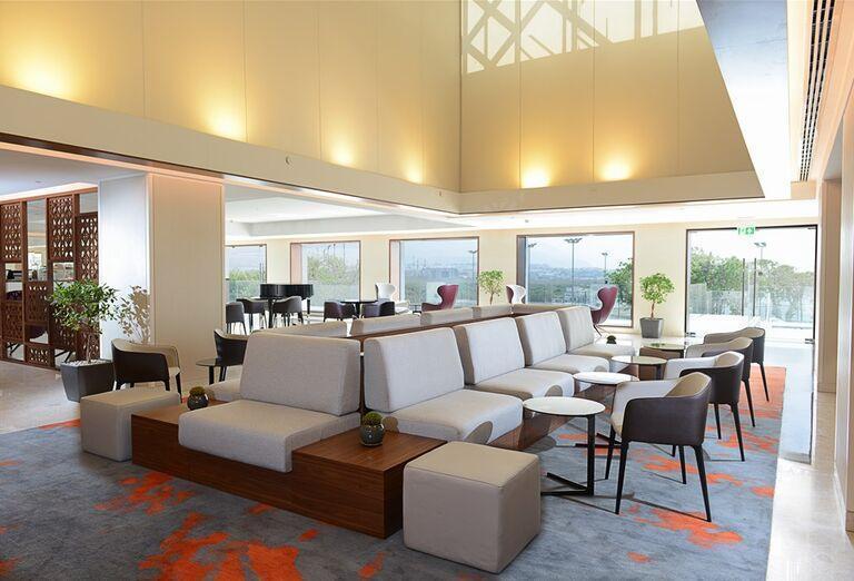 Hotel Crowne Plaza Muscat-  posedenie