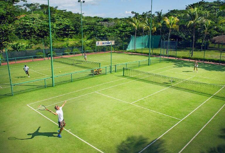 Hotelový Resort Andilana Nosy Be - tenisový kurt