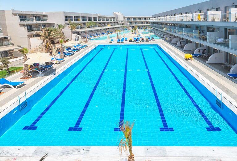 Bazény v hoteli Lyttos Beach