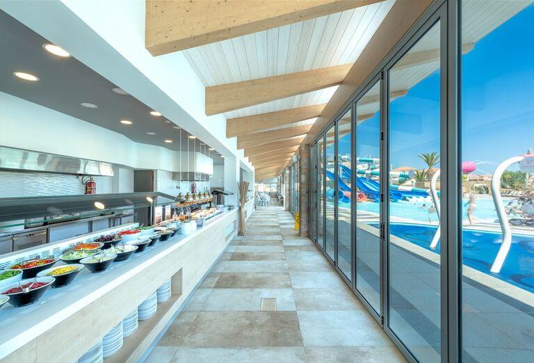 Občerstvenie v hoteli Lyttos Beach