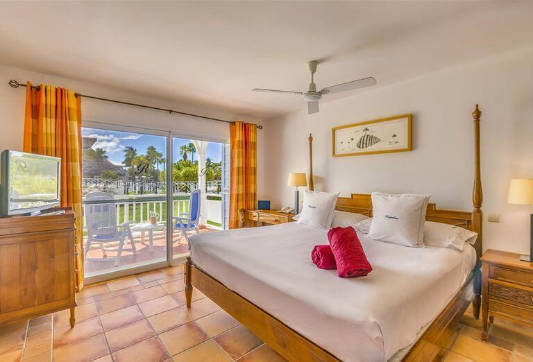 Pohľad z výšky na hotel Sheraton Jumeirah Beach Resort