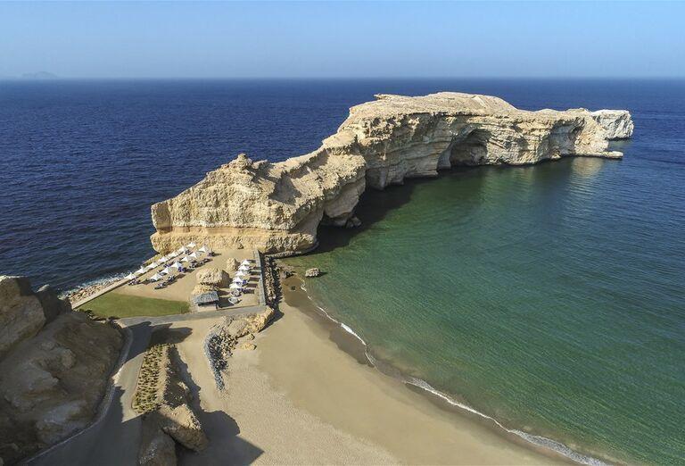 Hotel Shangri-La Al Husn Resort & Spa -Piesočnatá  pláž
