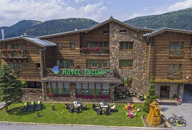Hotel Encián - Areál hotela