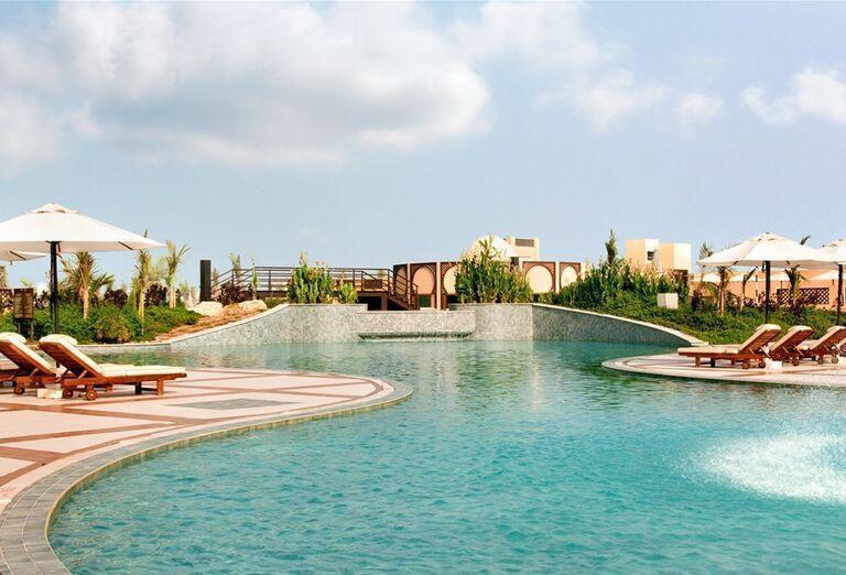 Bazén - Hotel Hilton Resort & Spa Ras Al Khaimah