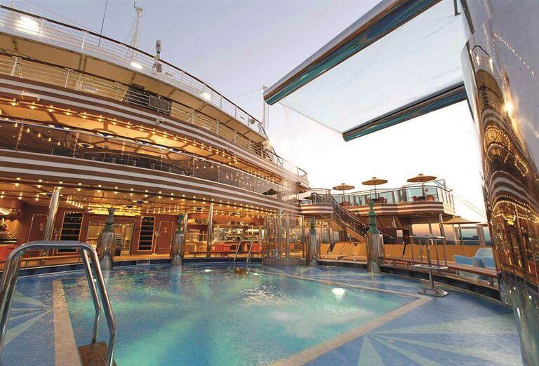 Výletná Loď Costa Diadema - hotelový bazén