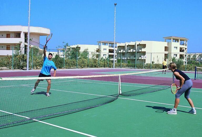 Párik pri tenise