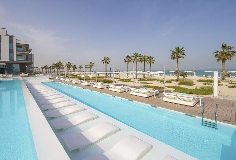 Bazén  hotela Nikki Beach Resort and Spa Dubai