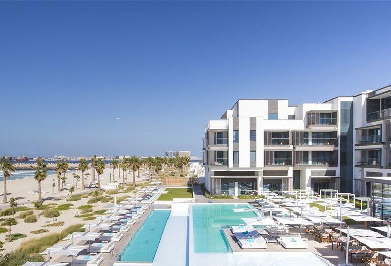 Areál  v hoteli Nikki Beach Resort and Spa Dubai