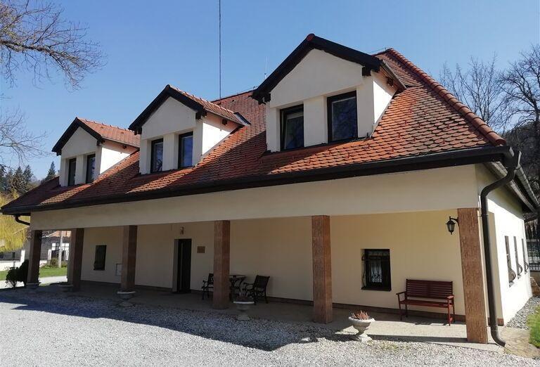 Penzion Kúria pri Kaštieli Fričovce - Areál hotela