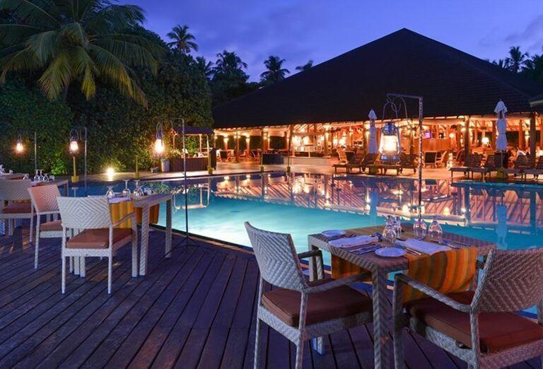 Hotelový Resort Adaaran Select Meedhupparu - Posedenie na terase