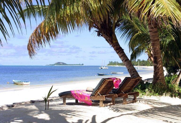 Hotel Indian Ocean Lodge - Piesočnatá pláž a lehátka