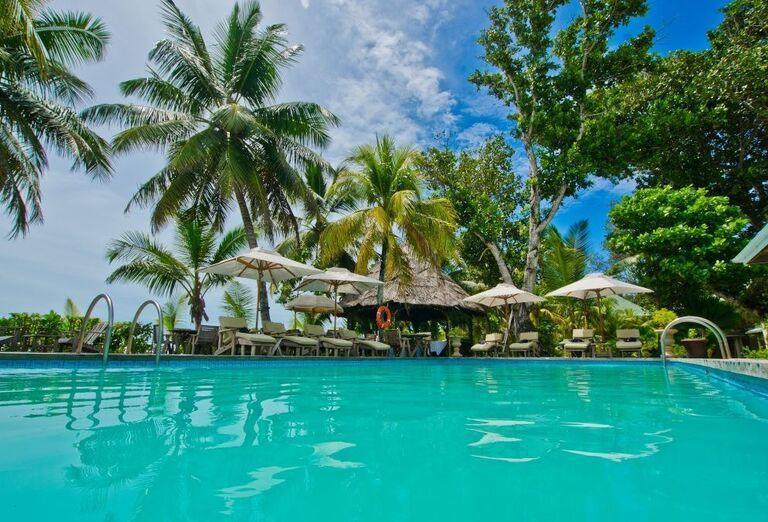 Hotel Indian Ocean Lodge - lehátka pri bazéne