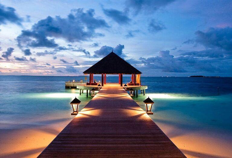 Hotelový Resort Angsana Ihuru -  mólo vedúce do mora