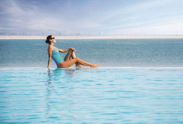 Doubletree by Hilton Resort & Spa Marjan Island- relax v bazéne