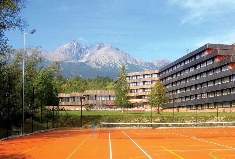 Tenisový kurt a hotel Sorea Titris