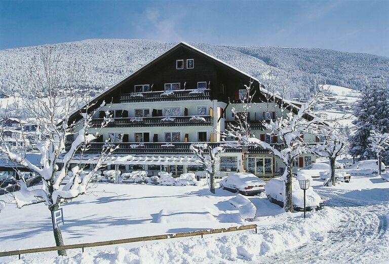Hotel Rodes - hotel z diaľky