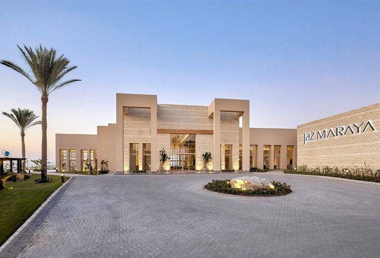 Hotel Jaz Maraya - pohľad na hotel z diaľky