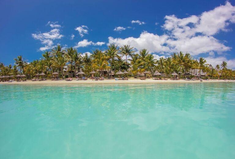 Hotel Trou Aux Biches Beachcomber Golf Resort & Spa - Pohľad z výšky na more a ostrov