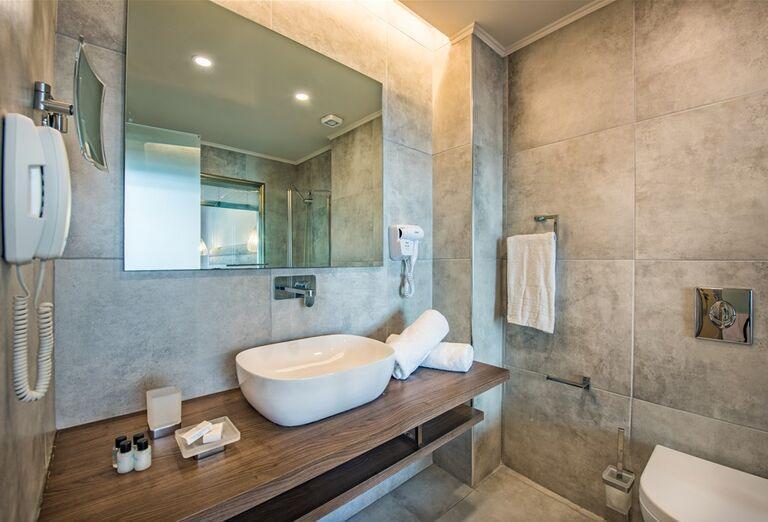 Hotel Alexandra Beach - kúpeľňa
