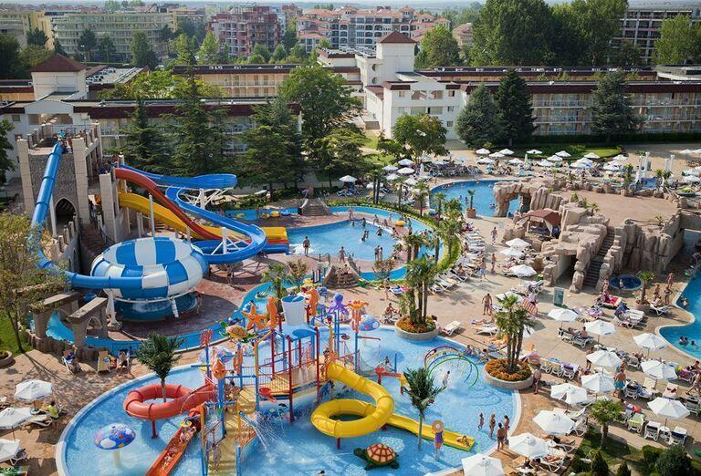 Hotel Evrika Beach Club - pohľad na hotelový komplex