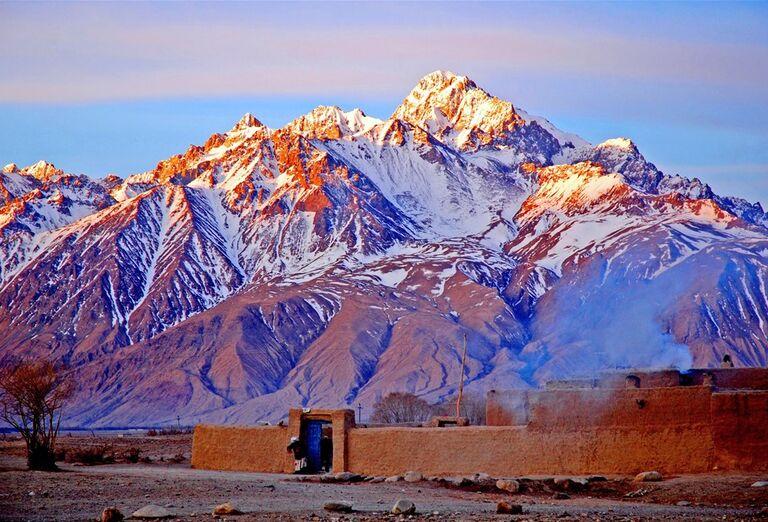 Uzbekistan - zasnežené hory