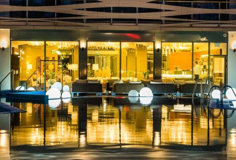 Bazén, Hotel Galeria Thermal