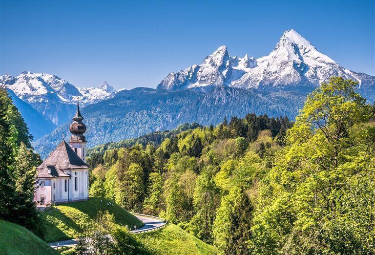 Vodopády a rokliny, poznávací zájazd Rakúsko - kostol na kopci