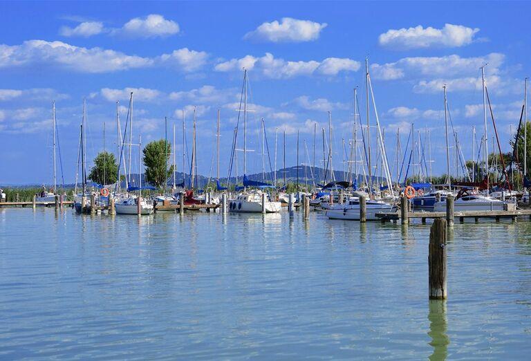 Víkend v Hévíze a okolí - lode v prístave