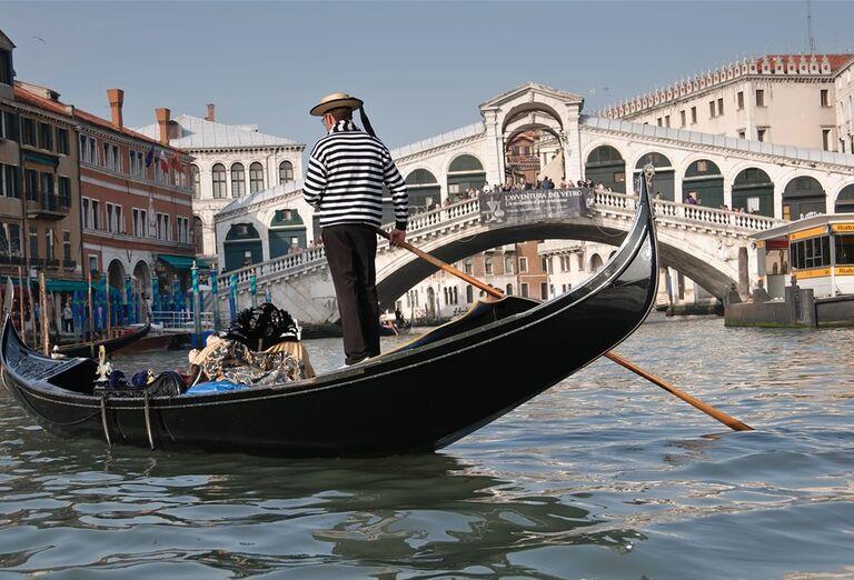 Galéria Víkend v Benátkach a okolí