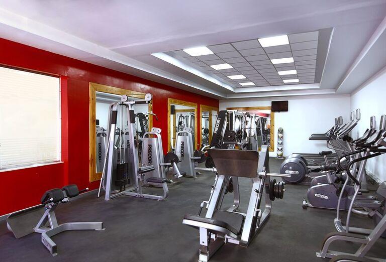 Fitnes v hoteli Hilton Hurghada Long Beach Resort