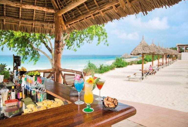 Hotel RIU Palace Zanzibar - bar na pláži