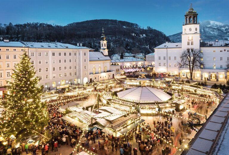 Salzburg a čerti - námestie