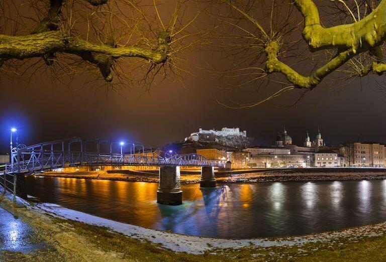 Salzburg a čerti - most nad riekou