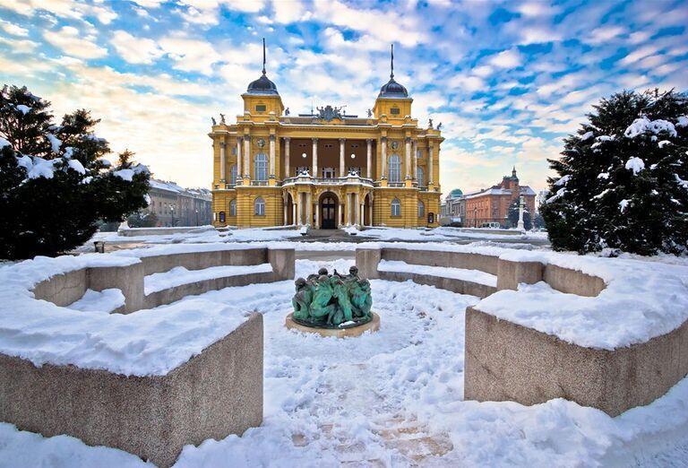 Advent v Záhrebe - zasnežené mesto