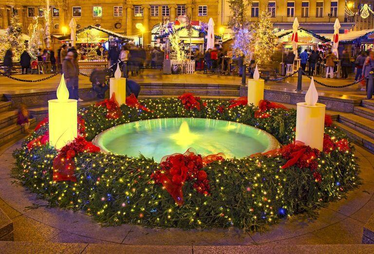 Advent v Záhrebe - velký adventný veniec
