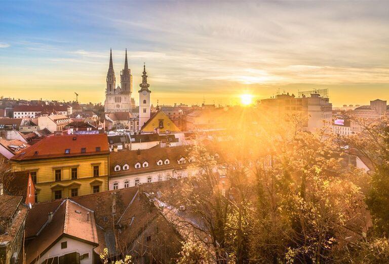 Advent v Záhrebe - východ slnka