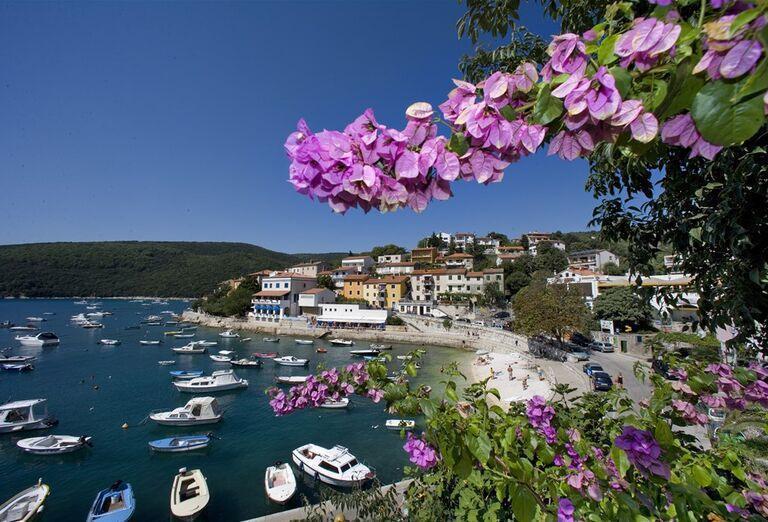 Allegro Sunny Hotel - pláž s prístavom