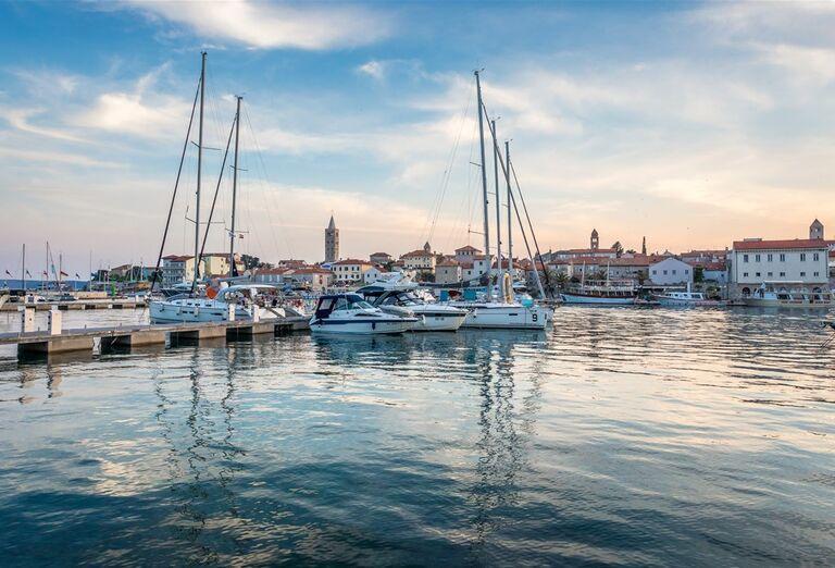 prístav v meste Rab