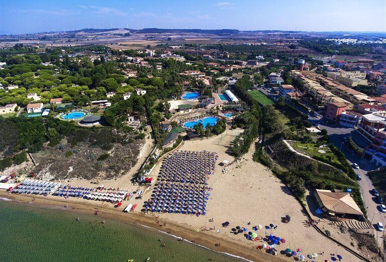 Pláž Hotel TH Le Castella Baia Degli Dei Village ****
