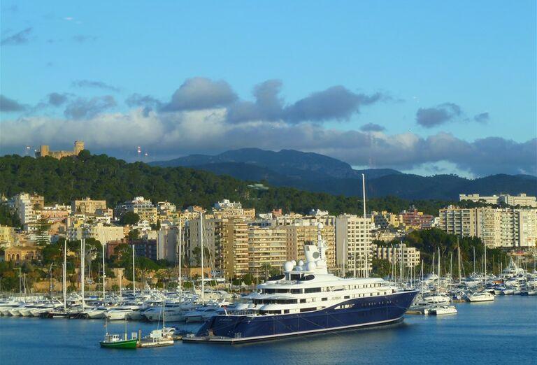 Výletná Loď Costa Smeralda - loď v prístave