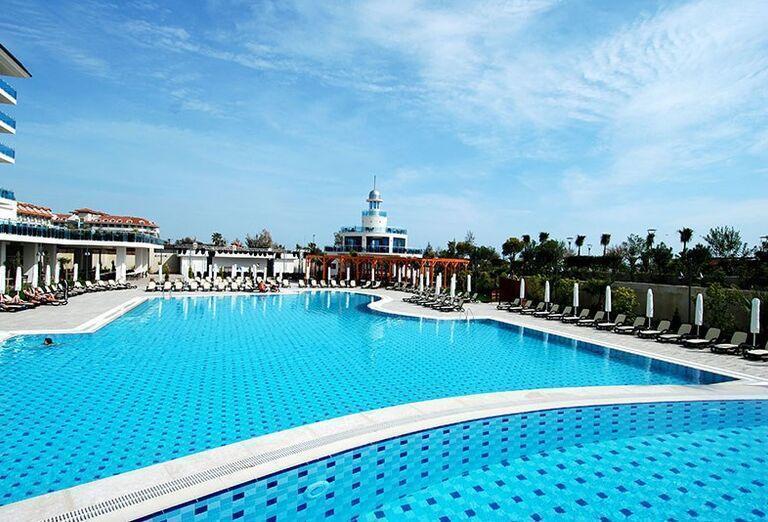 Hotel Commodore Elite Suite & Spa -