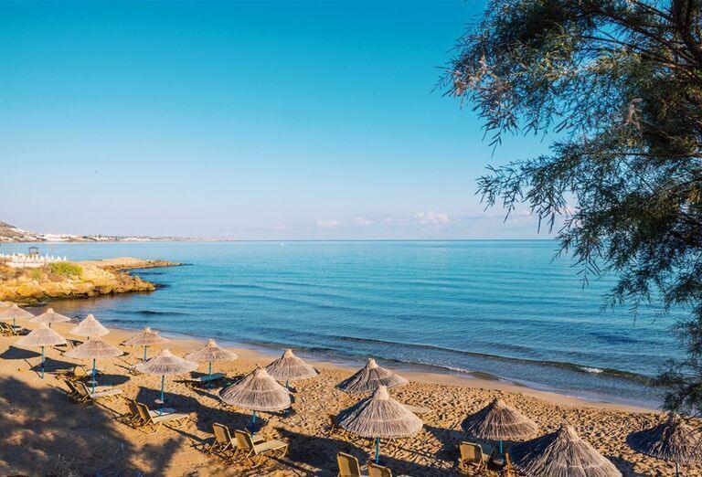 Alexander Beach Hotel & Village - Piesočnatá pláž